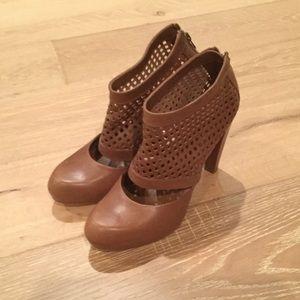Loeffler Randall ankle boot size 9/12
